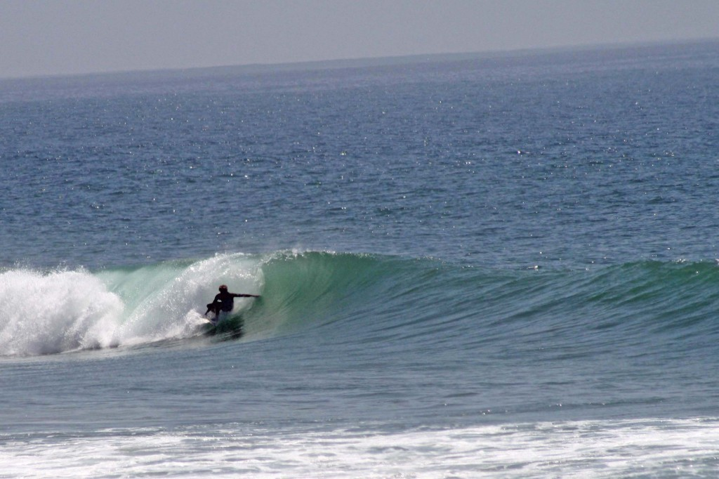 Surfer at Devils Rock | The Spot Morocco, surf camp Morocco, surf marokko, surf Taghazout, surfing in morocco, surf morocco